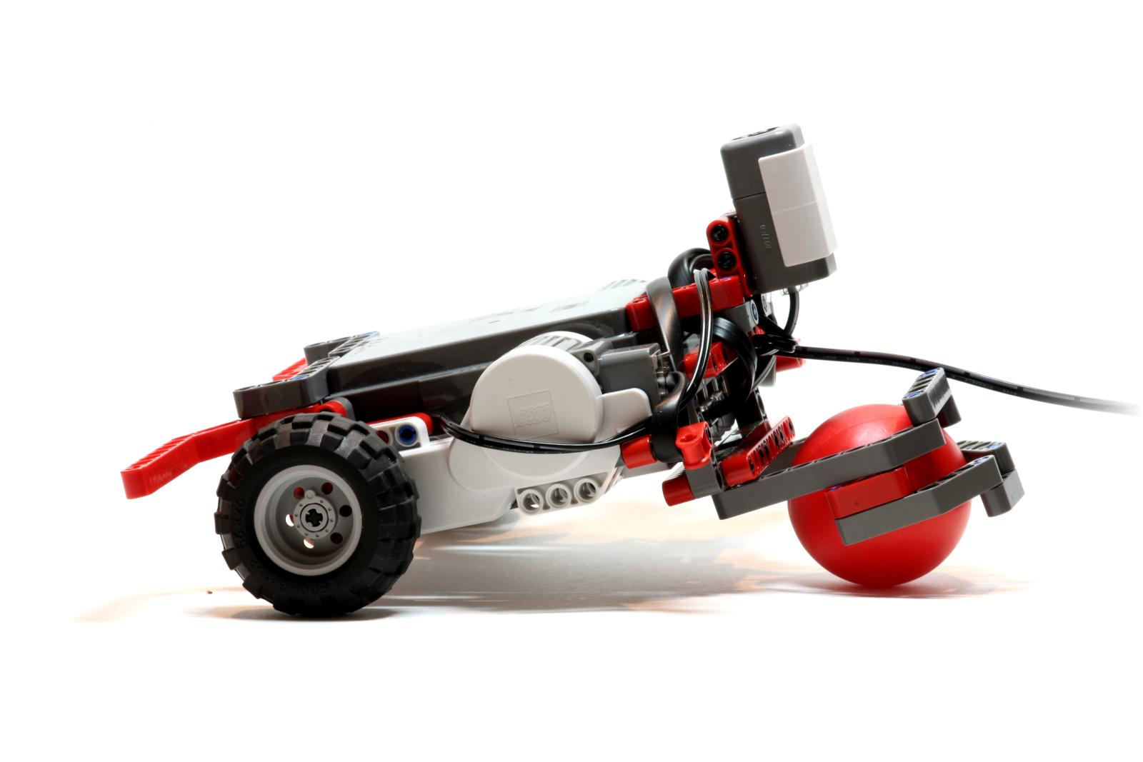 The robot car had two individually-controlled front wheels and a back pivot ball.